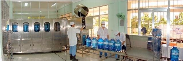 dây chuyền sản xuất nước uống đóng chai Việt Úc